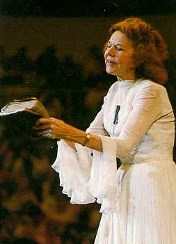 Biography Of Kathryn Kuhlman | Believers Portal
