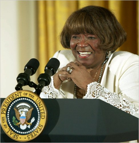 Albertina Walker At The White House In 2002