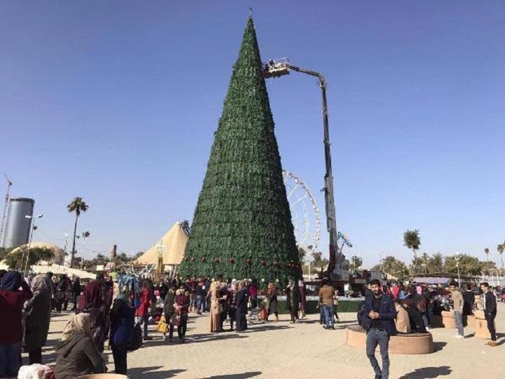 Muslim Man Erects Tallest ChristmasTree In Iraq As Sign Of Unity
