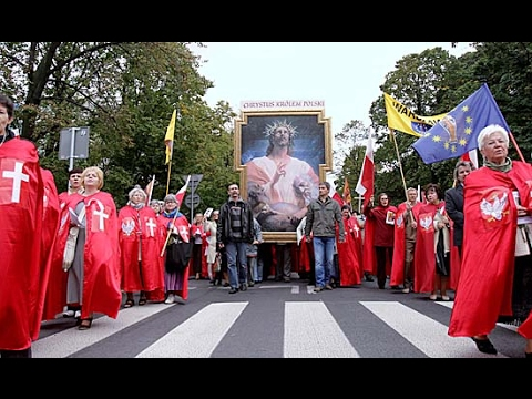 Poland Enthrones Jesus As King Of Poland