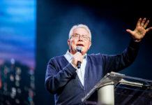 Evangelist Luis Palau