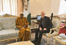 Archbishop of Canterbury Justin Welby meets with Nigerian President Muhammadu Buhari, March 2017.