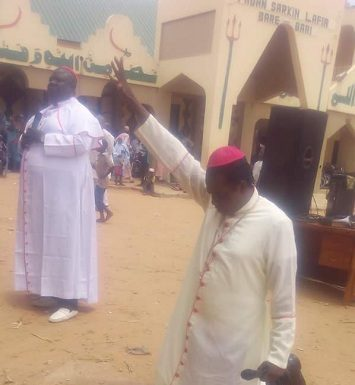 Muslims Storm Emir's Palace As Bishop Sam Zuga Preaches At The Palace In Lafia