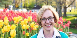 Lynn Austin began her writing career as a reader