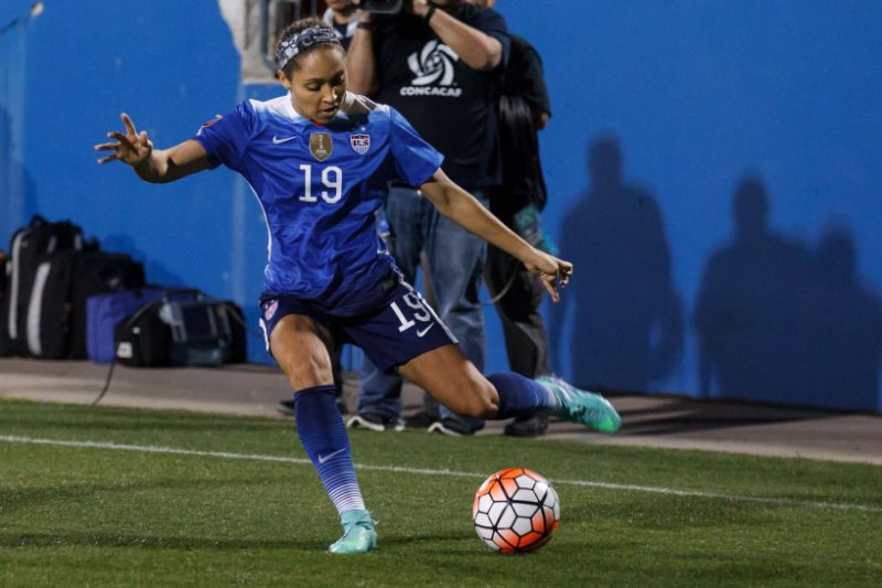 United States defender Jaelene Hinkle (19) in action during the game against Puerto Rico at Toyota Stadium in Frisco, TX on Feb 15, 2016.