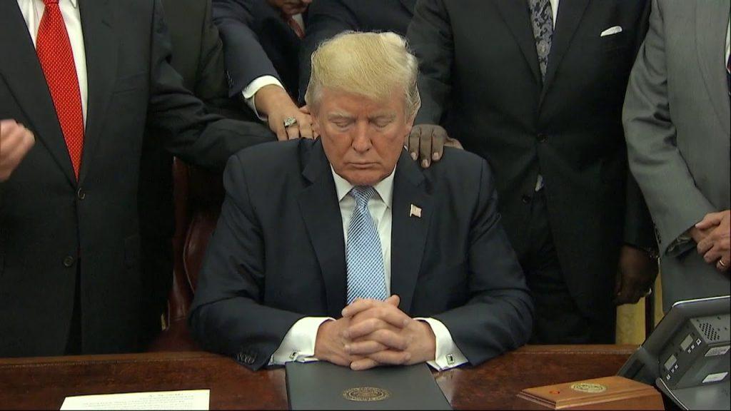 Trump Prays