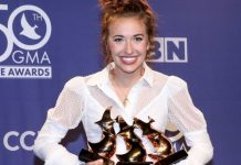 Lauren Daigle Named 'Artist of the Year' at 50th Annual Dove Awards