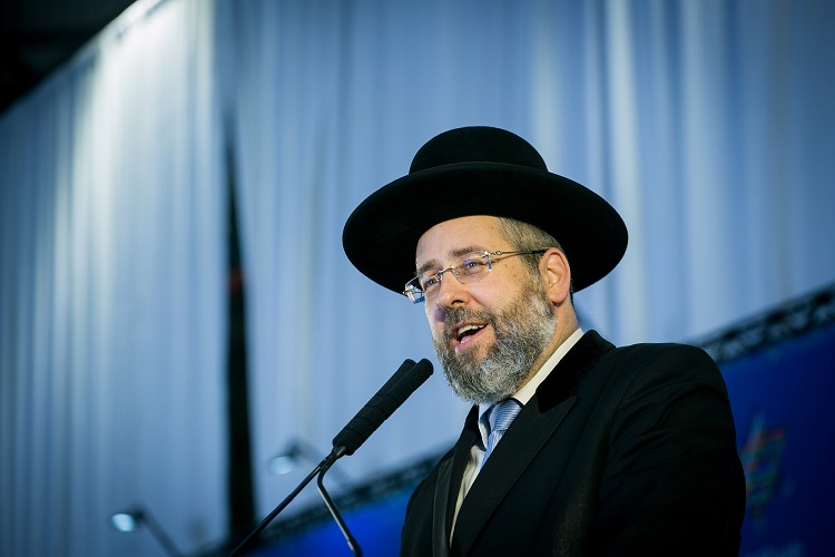 Israel's Chief Rabbi Urges Citizens to Fast to End Coronavirus