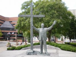 Billy Graham Statue to Replace That of White Supremacist in US Capitol
