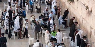 Jews-Morning-prayers-Western-Wall-Jerusalem