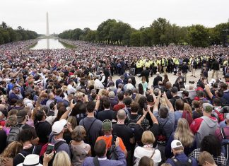 Americans intercede in prayer in nation's capital