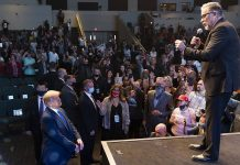 Trump Attends Las Vegas Church Service, Pastor Prophesies Second Win