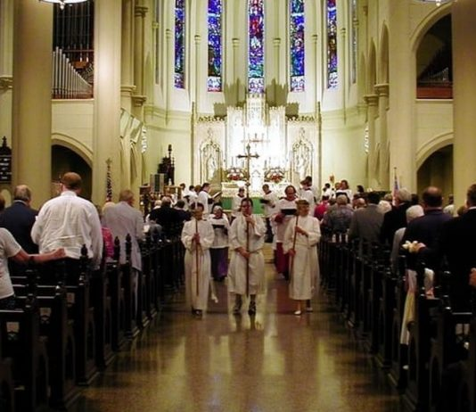 Procession at St._Marys_Episcopal_Cathedral.